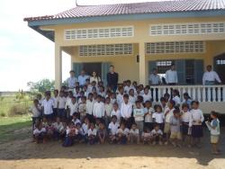 トゥールチャン小学校建設完成