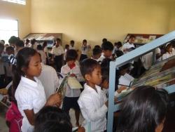 トゥールチャン小学校図書室