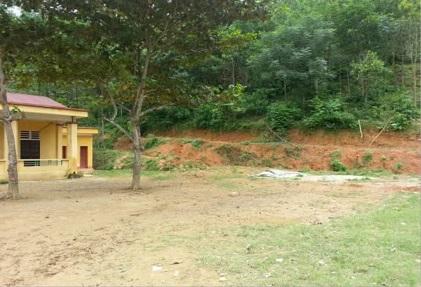 ミンンガ村の小学校(分校)現在の校庭